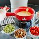 Ensemble pour fondue au fromage en céramique 9 pièces par « Swiss Cross »