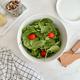 Ensemble bol à salade avec ustensiles de service