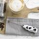 Mousseur à lait «MOO» avec étui de transport par Aerolatte