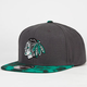 AMERICAN NEEDLE Bereyl Blackhawks Mens Strapback Hat