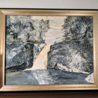 This frame perfectly went with my black and white oil painting of a waterfall.