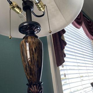 Kathy Ireland lamp