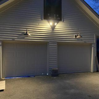 Nonabrasive outdoor floodlight with good illumination.