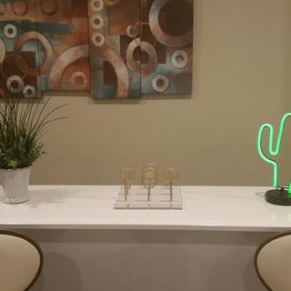 Tic-tac-toe decorative sculpture makes for a nice bar accessory!