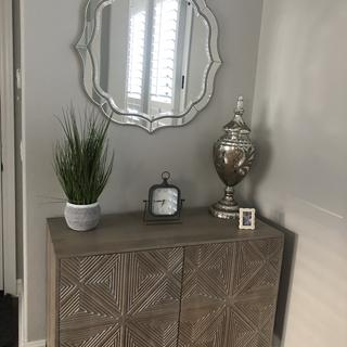 Gorgeous mirror, added a special touch