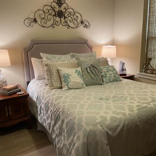 Lamps are Like Jewelry for the Guest Bedroom