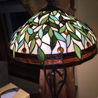 Lamp delivered, no yellow leaves.
