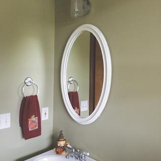 Love this little sconce! It was perfect for my 1/2 bath and sheds a nice soft light.