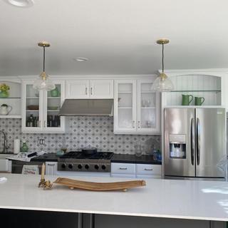 Kitchen island with matching pendants