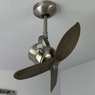 This is adjustable. It is hurricane level wind on the high setting!!!