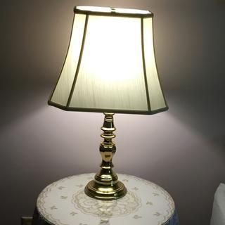 Beautiful lamp shade.