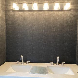 Designing my bathroom. Chandelier effect.
