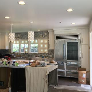 Lack of detail and make the piece looks cheap, not recommended for high end kitchen.