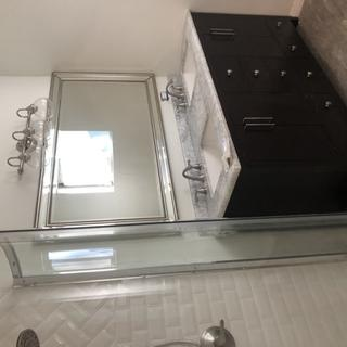 The mirror looks good and you'd have to put it up to see.  I don't know how to rotate it,
