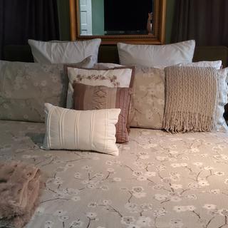 My bedroom never look better