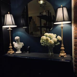 These lamps are awesome!! They look perfect in my apartment and I cannot recommend them enough.