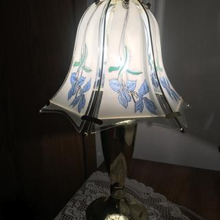 Beautiful lamp. A little shorter than the one I had before but other than that it's perfect!