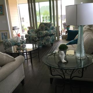 Love the Color! Goes well with the Decor!!