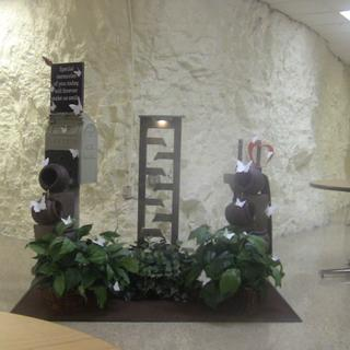 Chanel fountain 49in & Urn fountain 35# Display