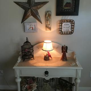 Very pleased with my cardinal lamp...goes well with my cardinal pictures.