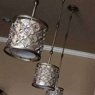 Gorgeous pendant lights!