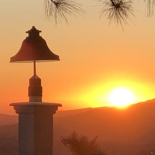 Dark Sky post light creates beauty in the early morning skies! Five stars!!!!!