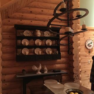 Loving the Circular spiral in contrast to our horizontal log walls