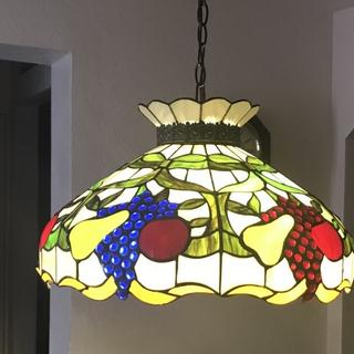 The detail of this pendant light is Absolutely beautiful. nothing else needs to be said.