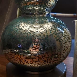 Close up of the mercury glass effect