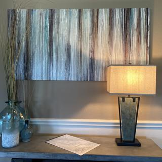 Awesome lamp that compliments my living room!