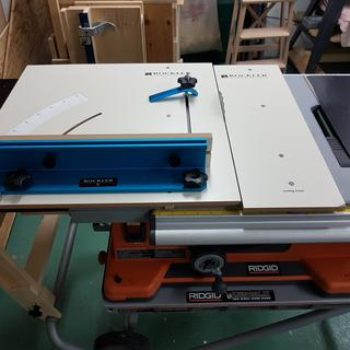 Cross Cut Sled & Drop Off Platform installed on table Saw