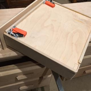 Drawer showing sides with Blum under mount slides