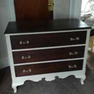 I used the dark Briwax on the drawers of this rescued beauty, I love the smoothness of it