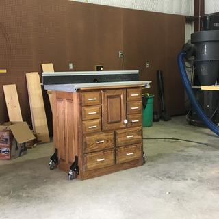 Router table with casters