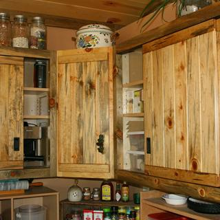 Closer up picture of corner cabinets
