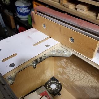 Left bracket of Bench Dog Pro Top