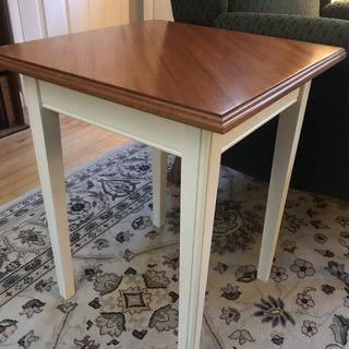End table with mahogany top. Top has ogee edges instead of the slanted edge in the plan.