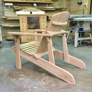 I like this photo because it shows all the structure of the chair. Very solid and comfortable.