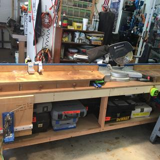 My miter bench mostly built wit my Kreg K-4 pocket hole jig...