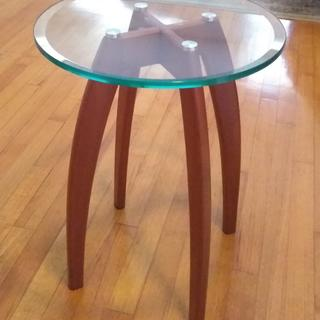 """simple glass top end table 14"""" dia"""