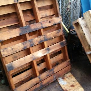 Pallet to be denailed