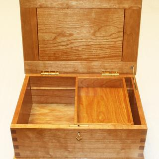 Cherry Memory Box with Brusso Lid Support.