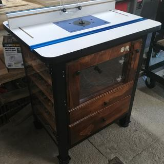 Awesome table top for any DIY router tables! 10/10