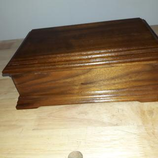 Antique Furniture Boxes/chests Miniature Wooden Table Jewellery Music Box Reproduction