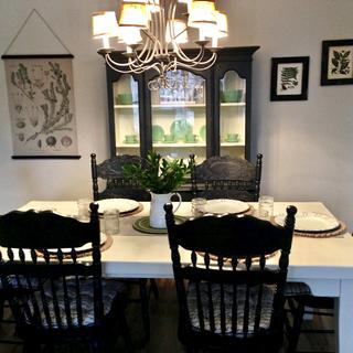 Refinished dining table and farmhouse chairs using chalk paint and General Finishes sealer