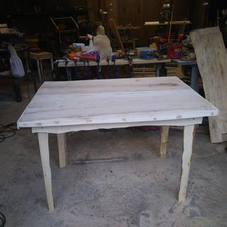 I used the master glue kit to make this maple table.