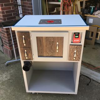 Home made Router Table with custom dust collection.