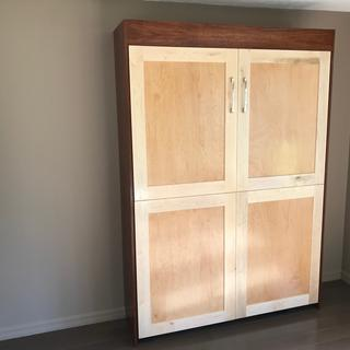 Maple veneered Plywood, Maple rails and styles.