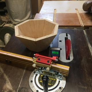 Accurate enough to do compound miter cuts for a 7 sided bowl