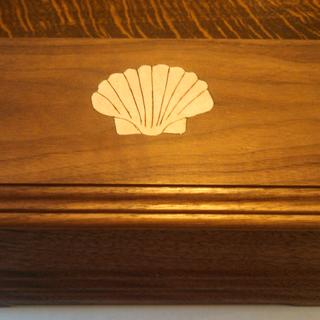 Added a shell inlay made from birch veneer.